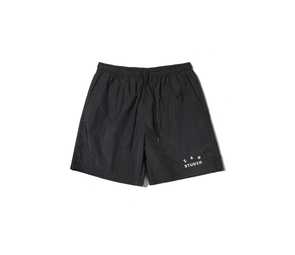 아이앱 스튜디오 우븐 쇼츠 블랙 / IAB Studio Woven Shorts Black