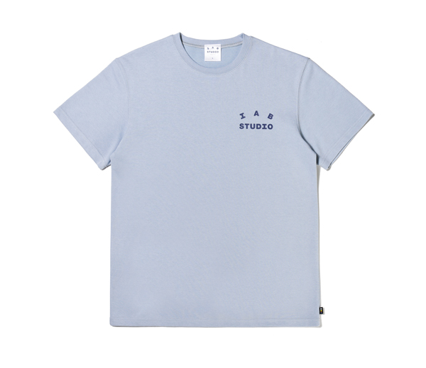 아이앱 스튜디오 티셔츠 애쉬 블루 (2021) / IAB Studio T-Shirt Ash Blue (2021)